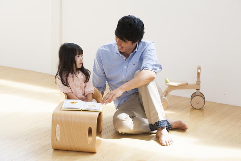 【COLO COLO Chair & Desk】天然木のブナ材を使用したベビー用の椅子と子供机 image034
